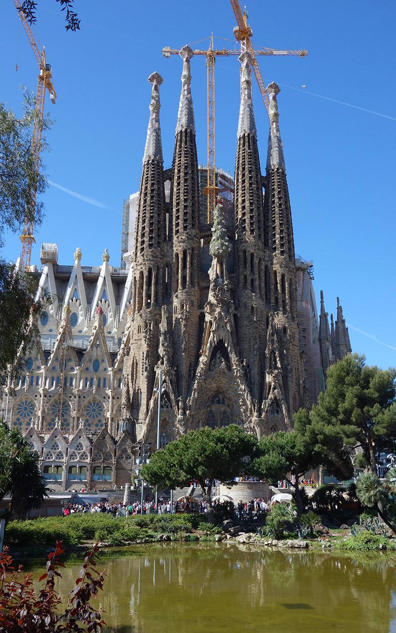 catedrala-sagrada-familia-barcelona