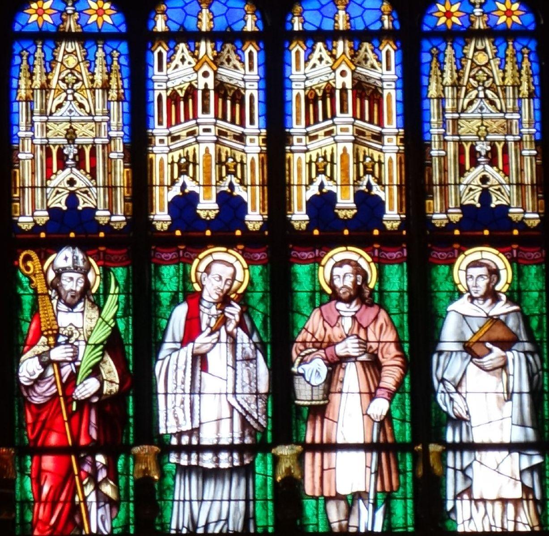 Unicitatea vitraliilor din Catedrala