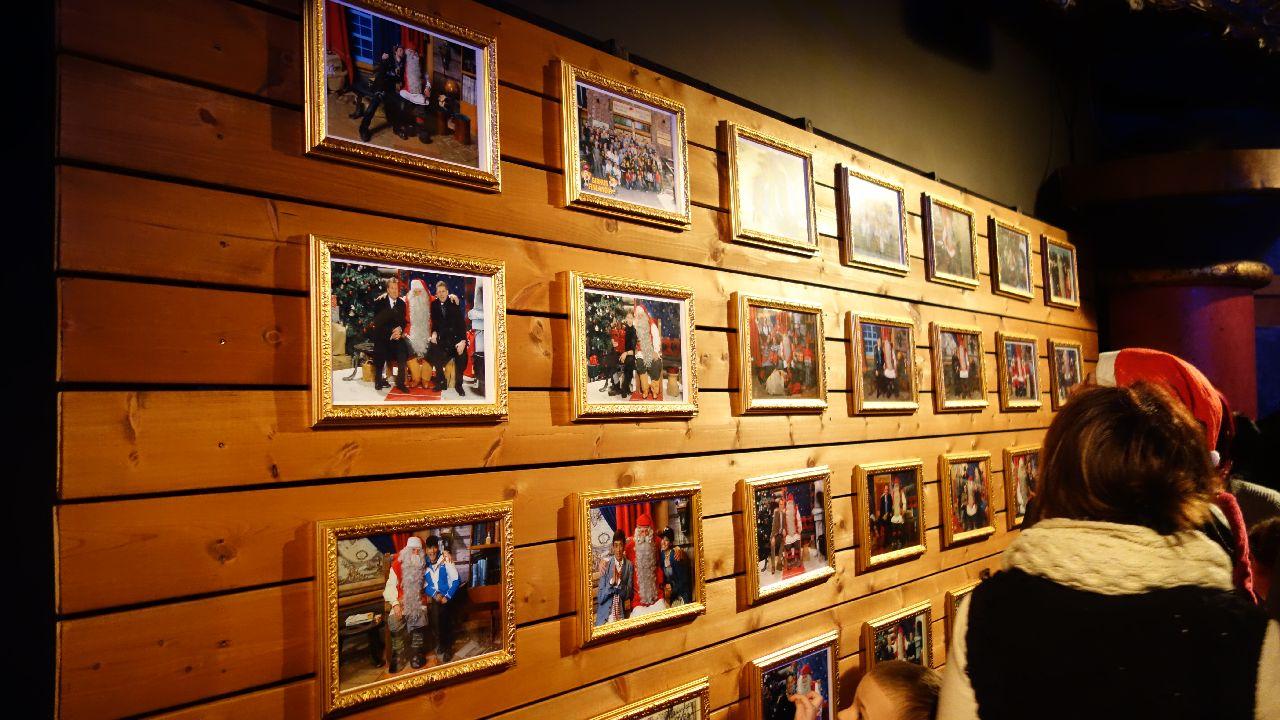Galeria foto de pe culoarul de asteptare
