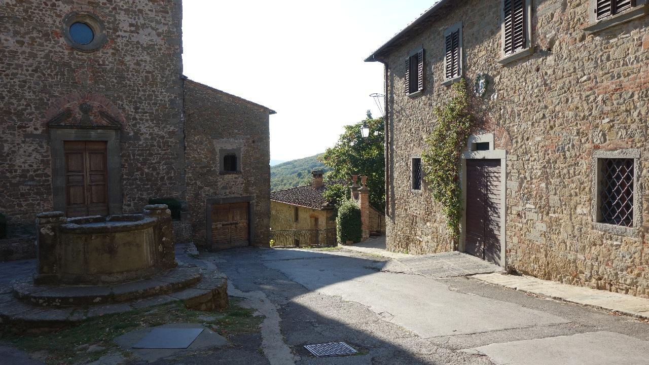Fantana din centrul satului