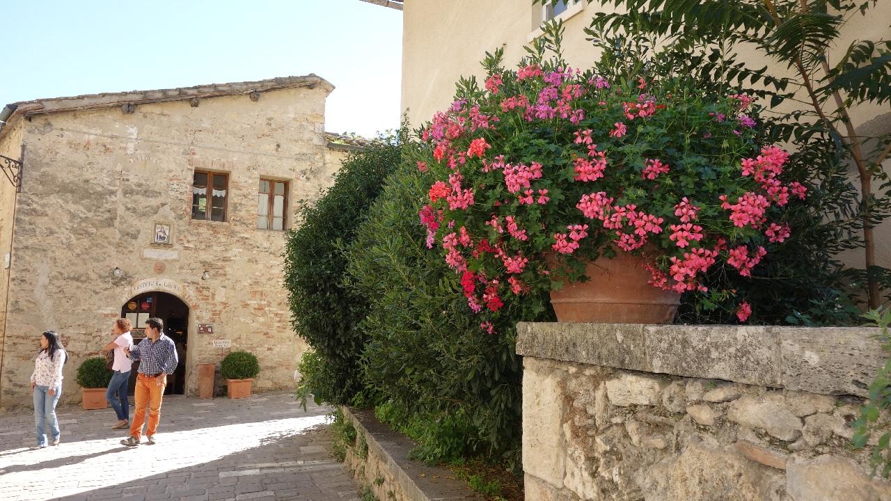 Una din aleile din Bagno Vignoni