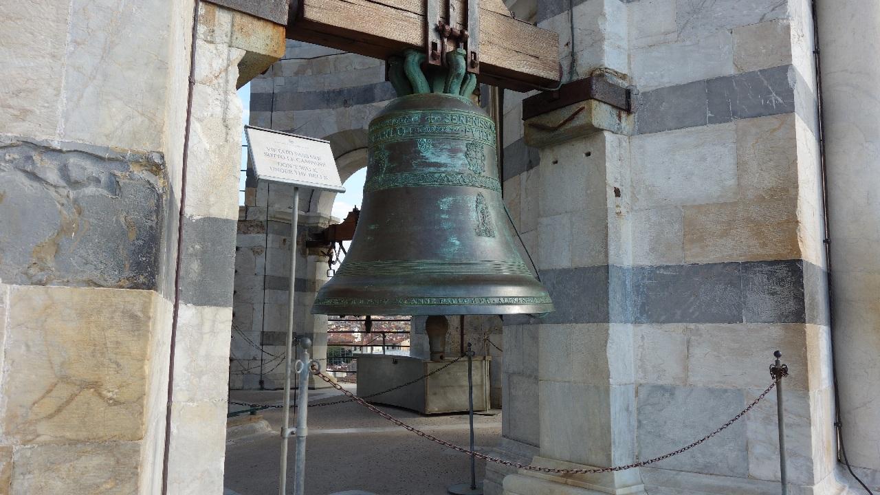 Clopotele de la Nivelul II al Turnului din Pisa