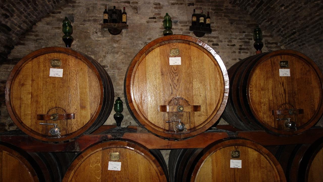 Butoaie cu vin de colectie