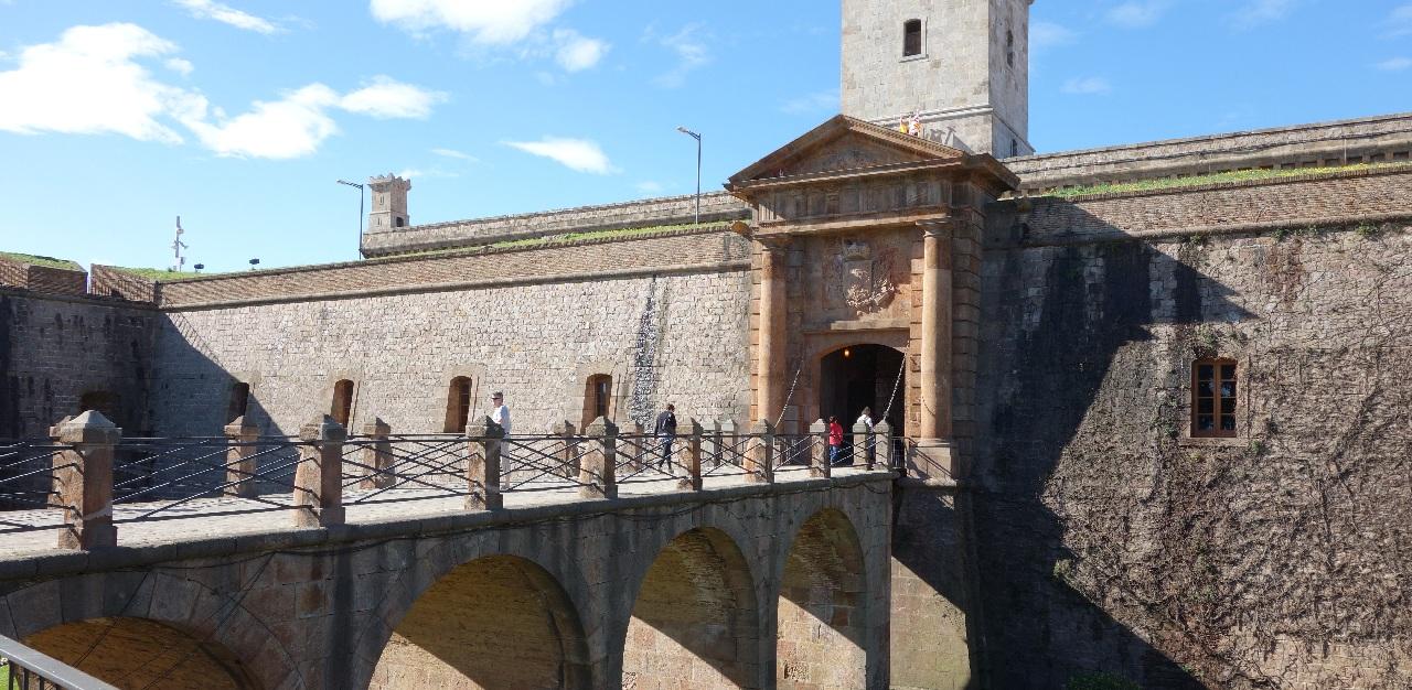 Intrarea in Castelul Montjuic