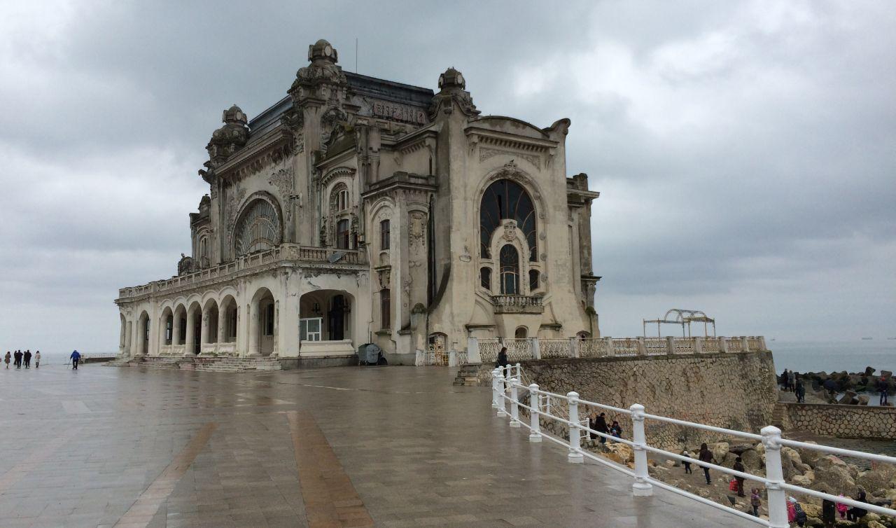 Instantaneele din apropierea  Casinoului din Constanta dezvaluie adevarata lui fata :(