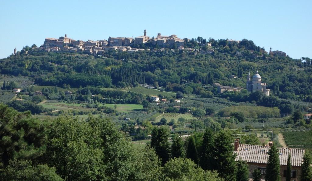 Lasand Montepulciano in urma noastra...