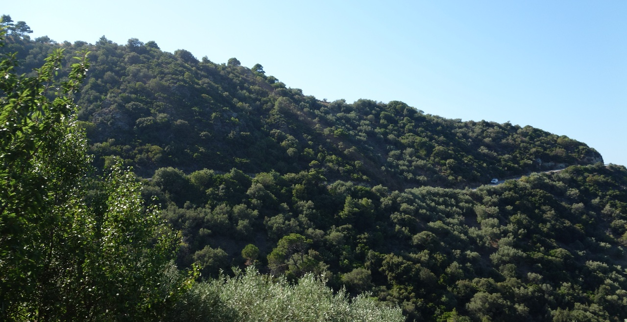 Drumul spre Capela Agios Ioannis