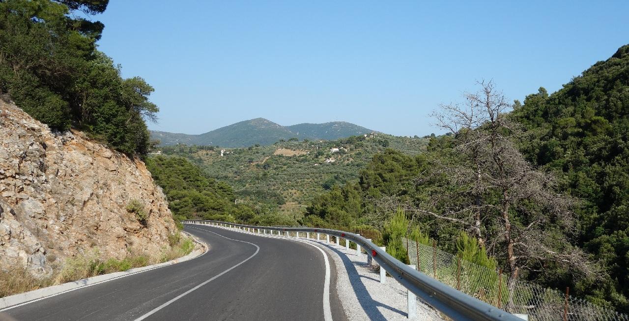 Drumul spre Skopelos Town
