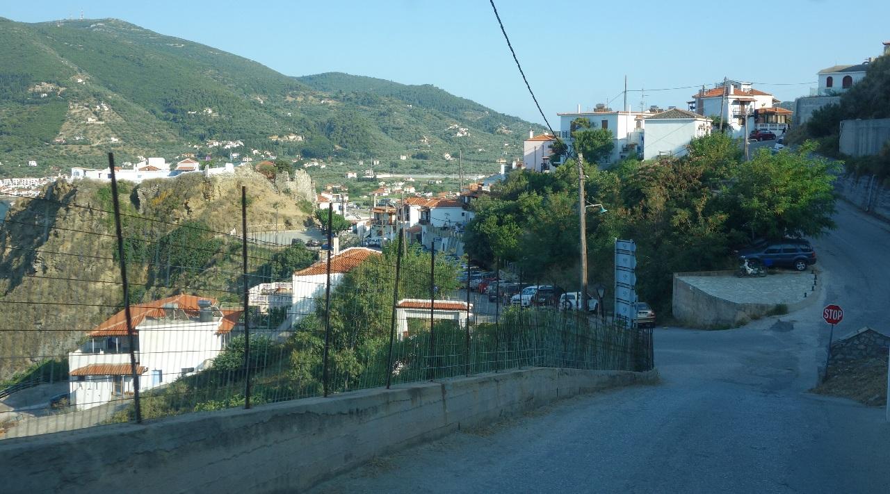 Parcarea de langa Ouzeria Anatoli