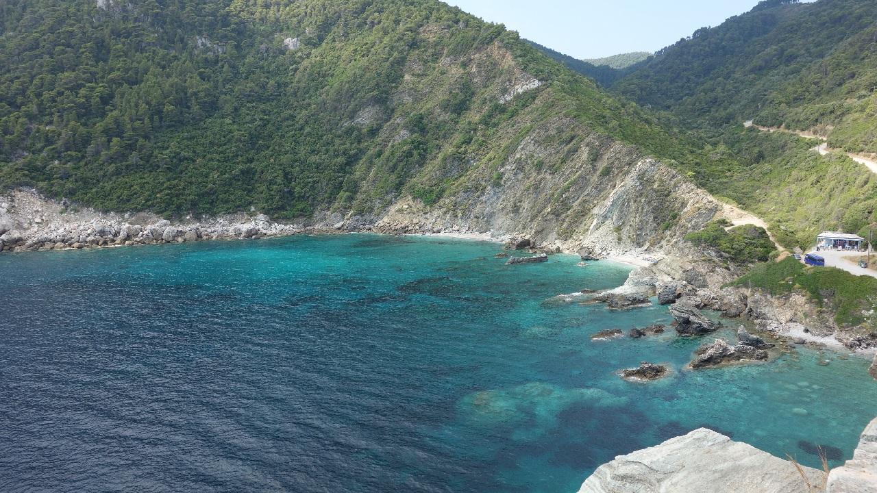 Plaja Ag. Ioannis, vazuta de la Capela