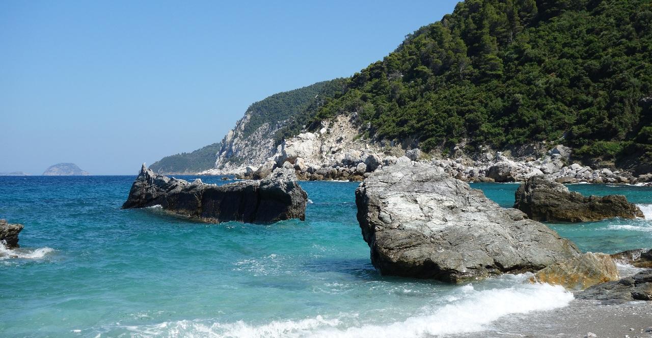Valuri la Agios Ioannis Beach
