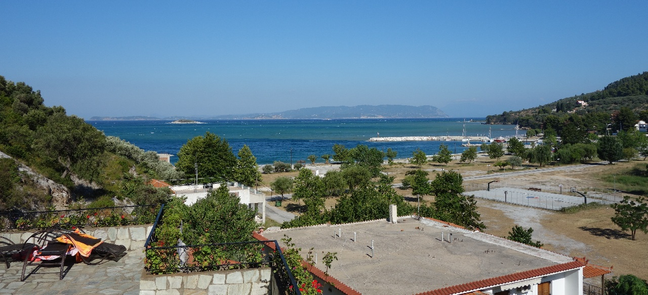 Sea-view de pe terasa Apartamentului Hovolo