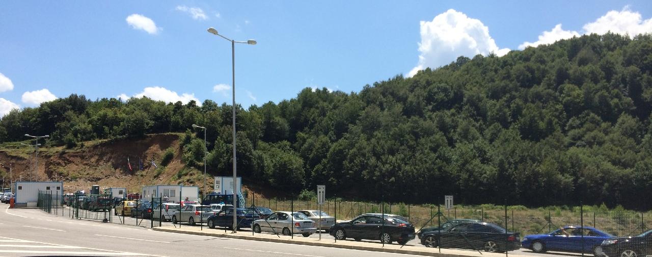 Coada de masini din Vama Makaza, la intrare in Grecia ,  ora  14:05