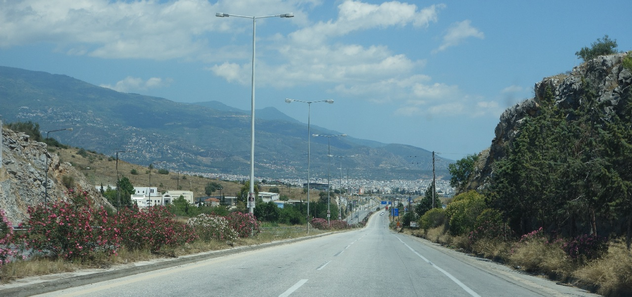 Drumul valurit dintre Autostrada si Volos