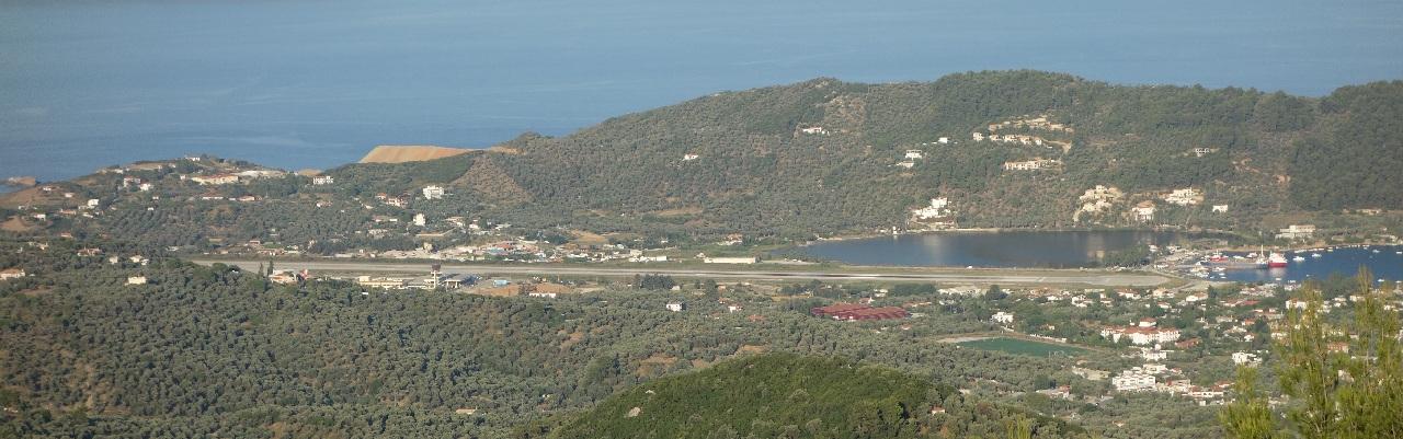 Pista aeroportului din Skiathos
