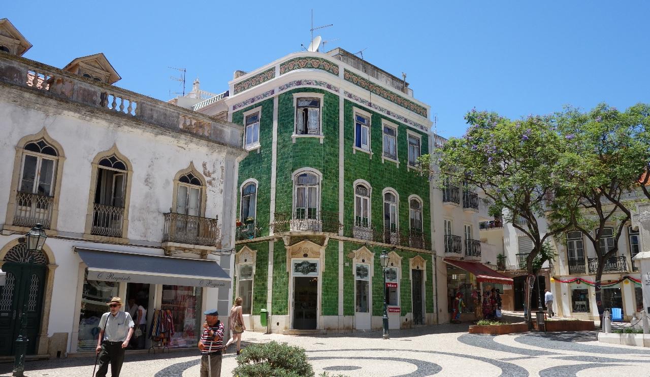 Centrul istoric al orasului Lagos din Algarve