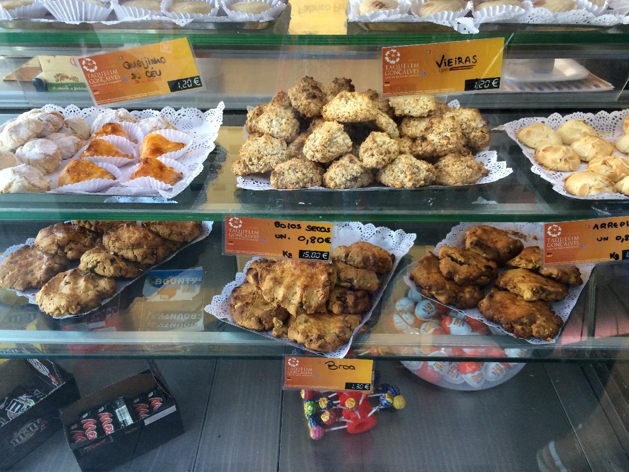 Prajituri si fursecuri in cofetariile din Lagos
