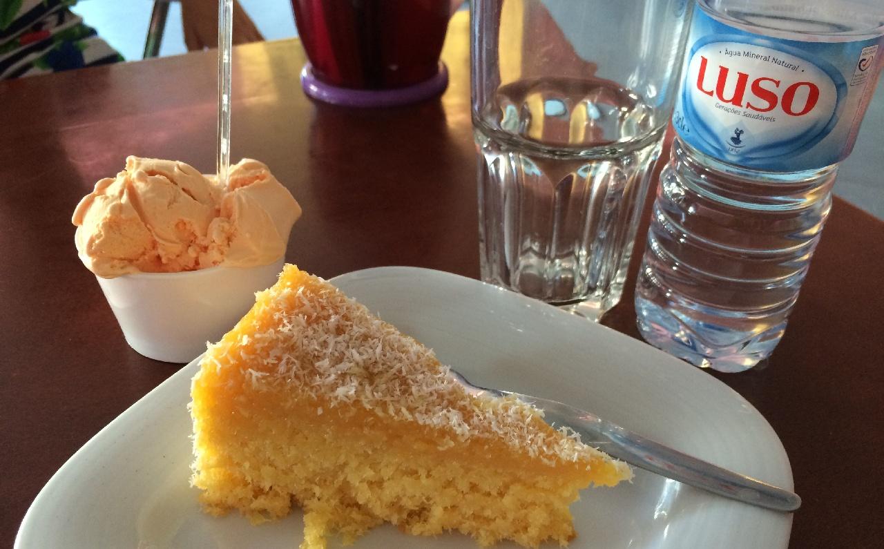 Tarta cu nuca de cocos si Sorbet de Mango