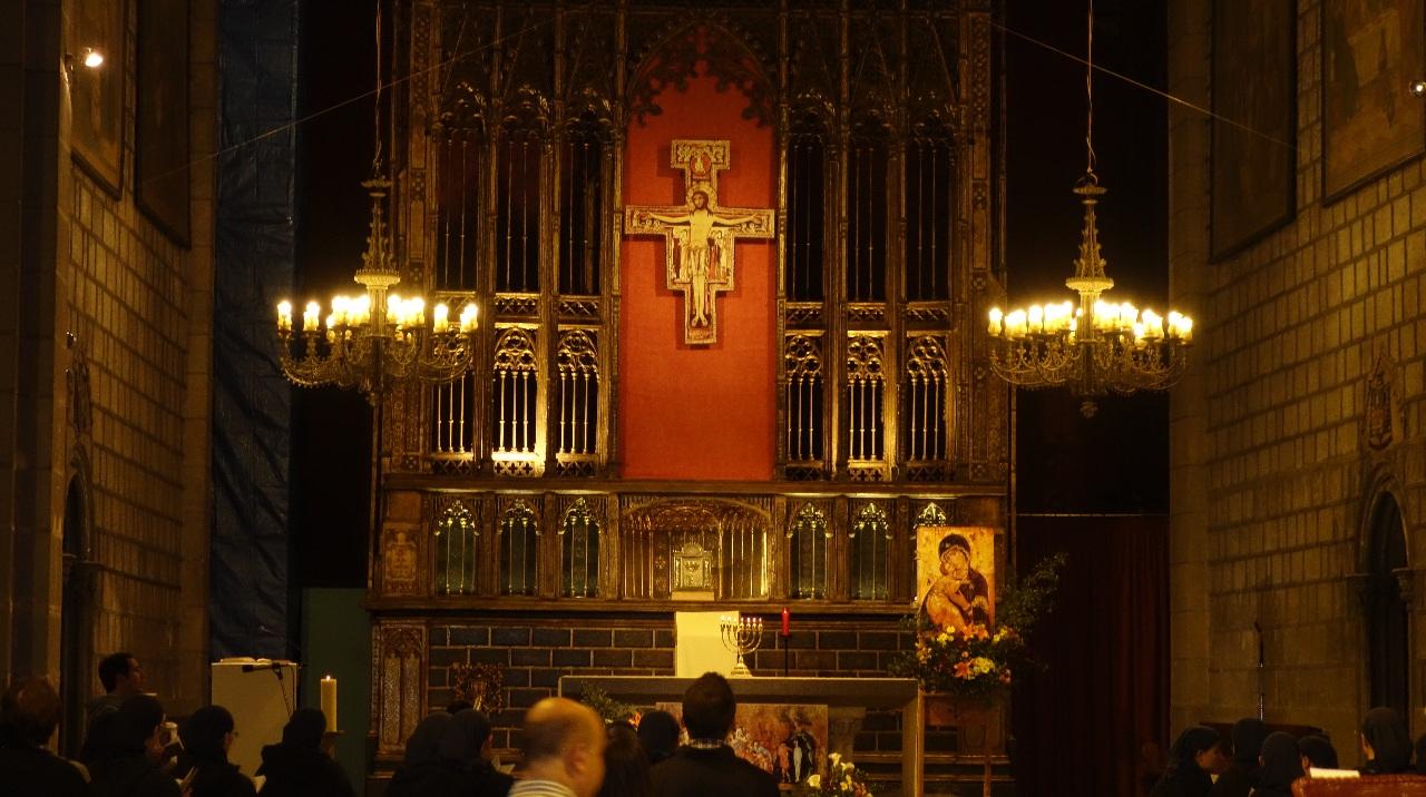 Slujba de seara la Biserica Sf. Treime