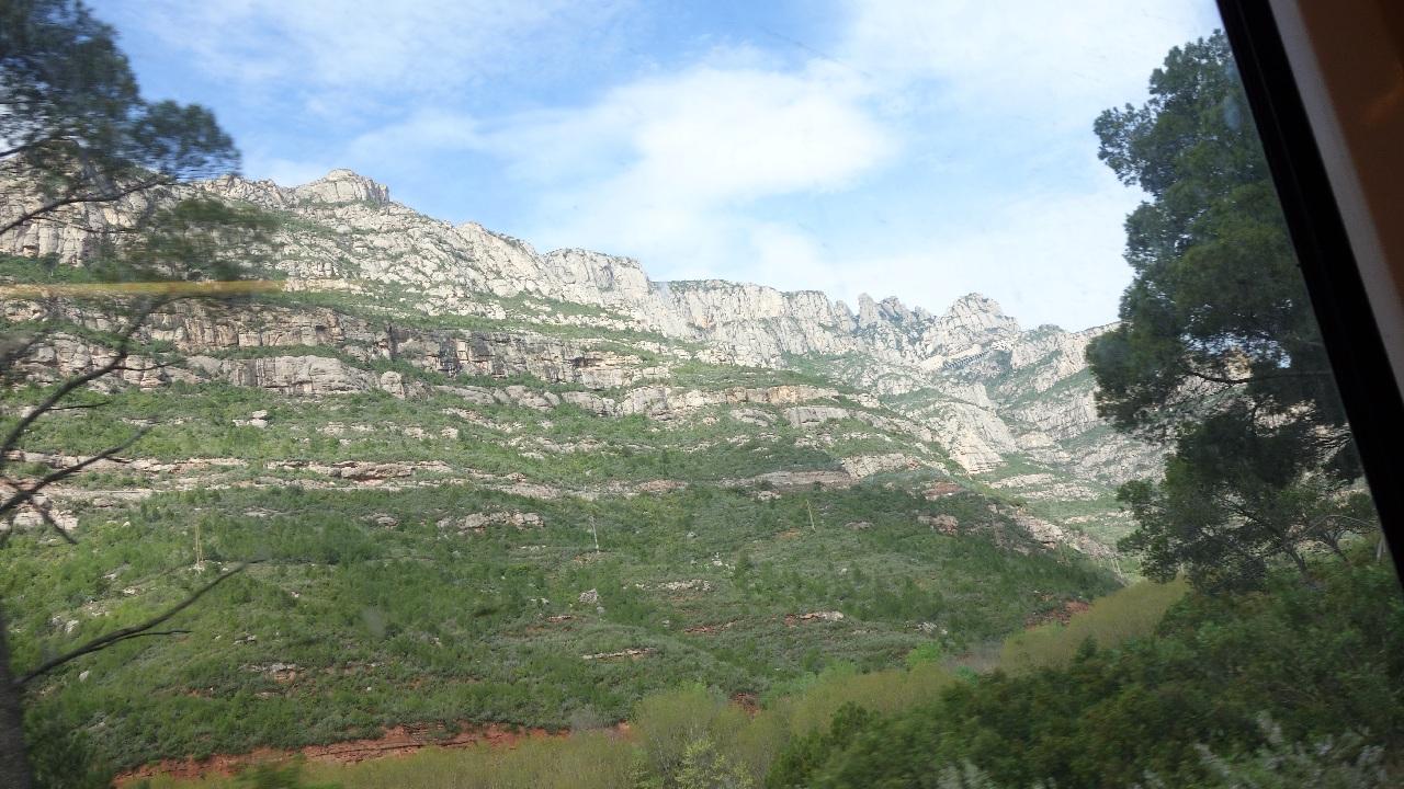 Montserrat-ul vazut din tren