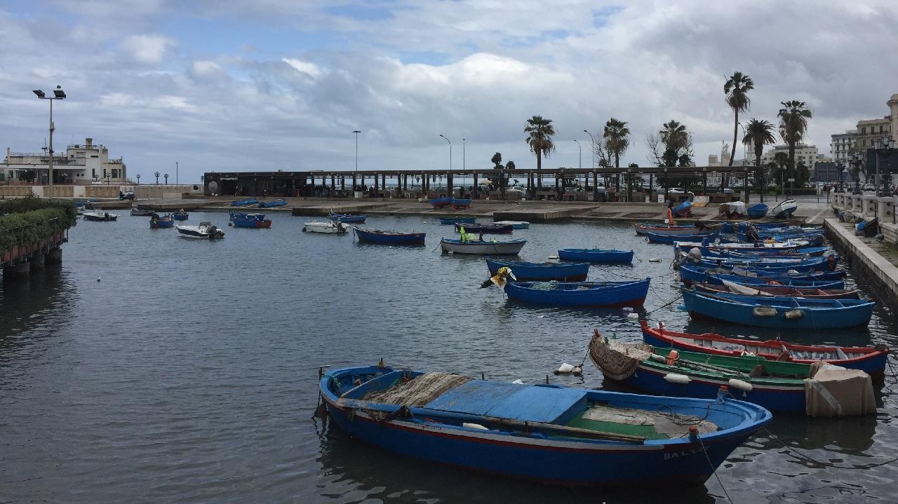 """Bari - Portul Vechi si faleza """"Lungomare"""""""