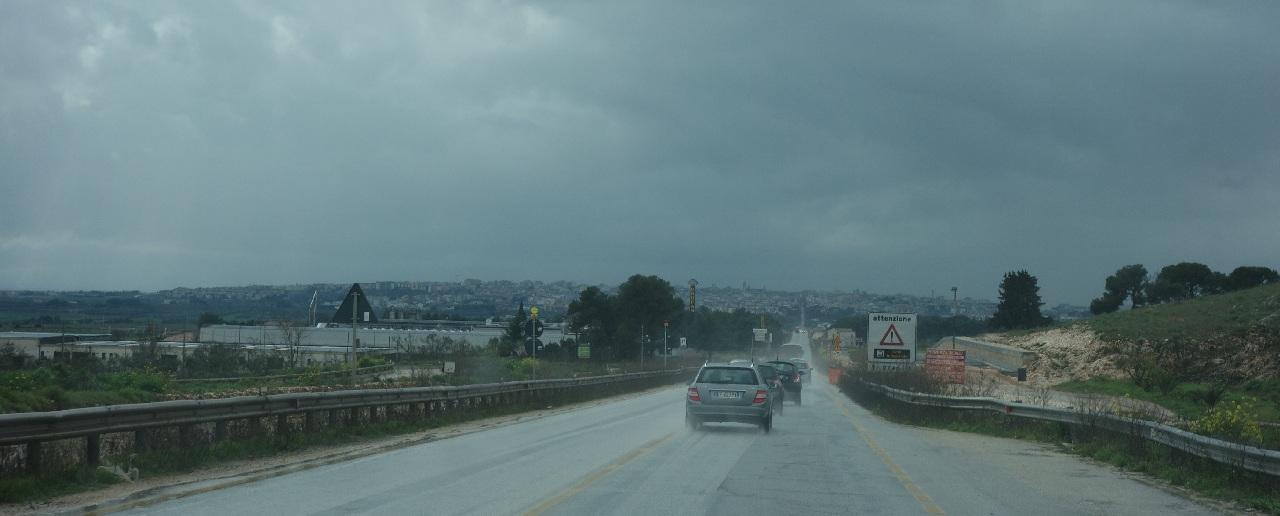 Ploaie torentiala pe drumul spre Matera