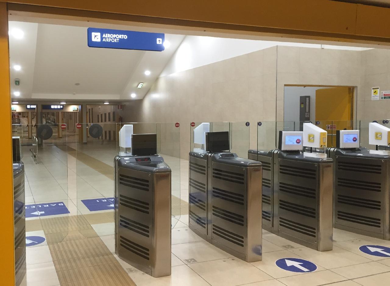 Locul unde trebuie scanate codurile de bare de pe biletele de tren