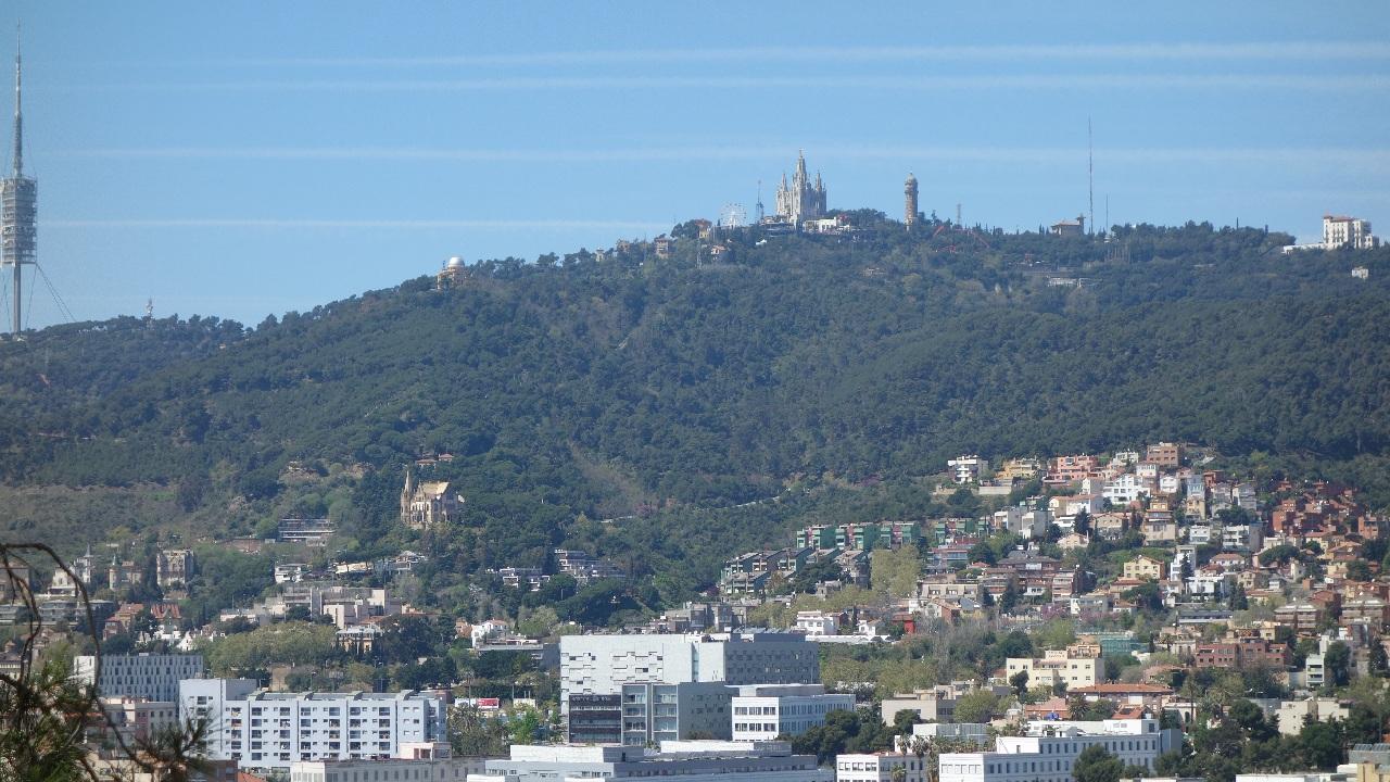Tibidabo vazut din Parc Guell