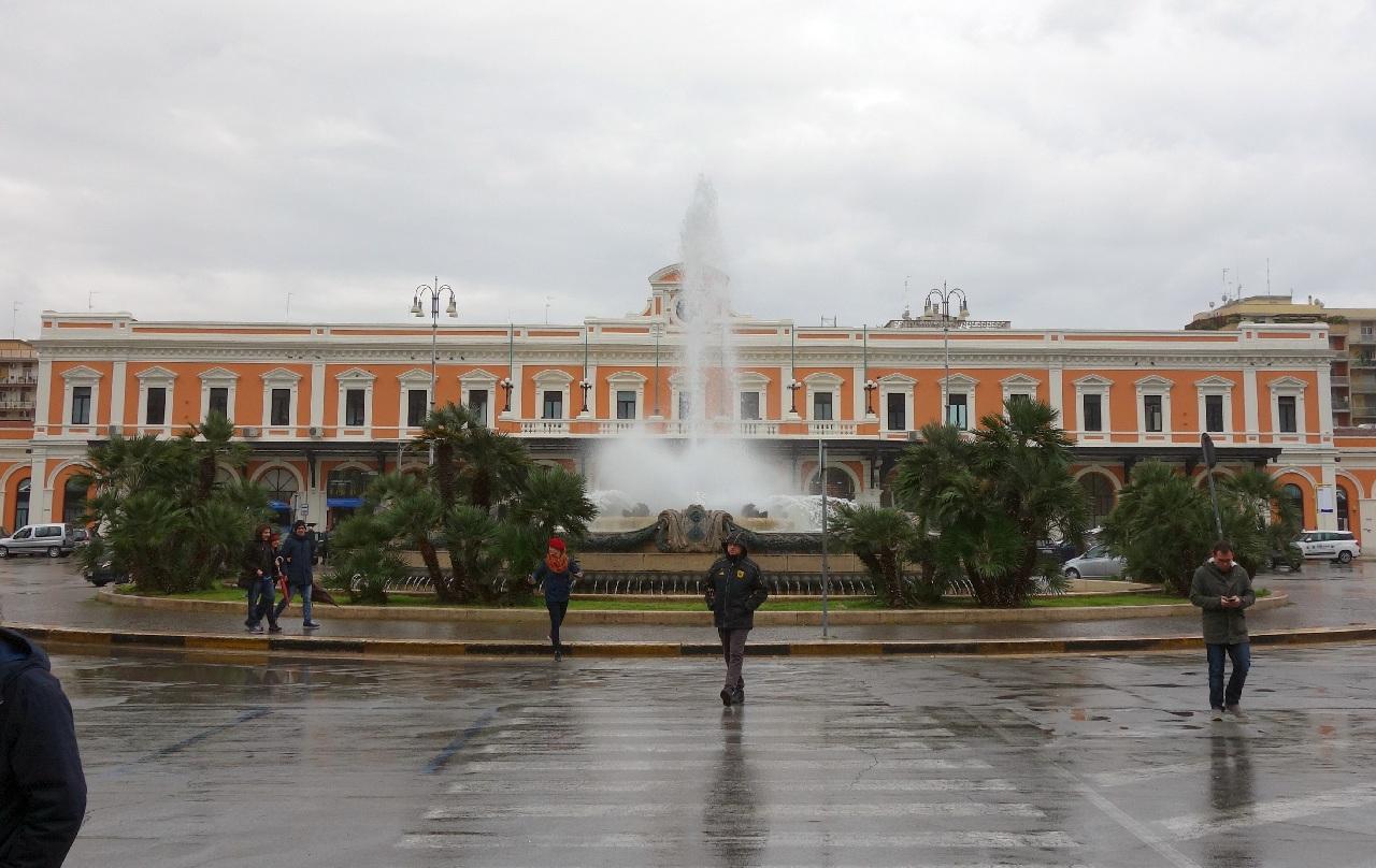 Gara Bari Centrale