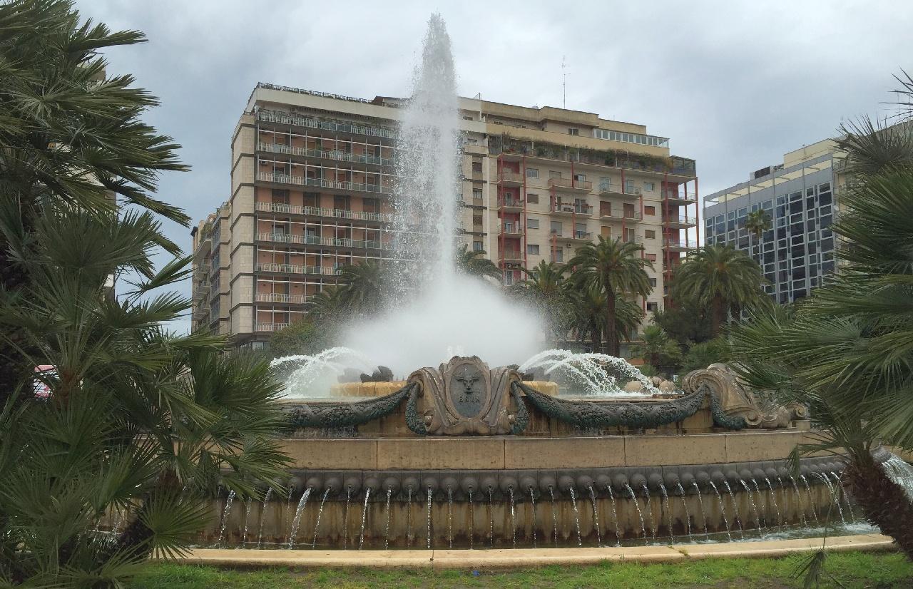 Fantana arteziana, Piazza Aldo Moro