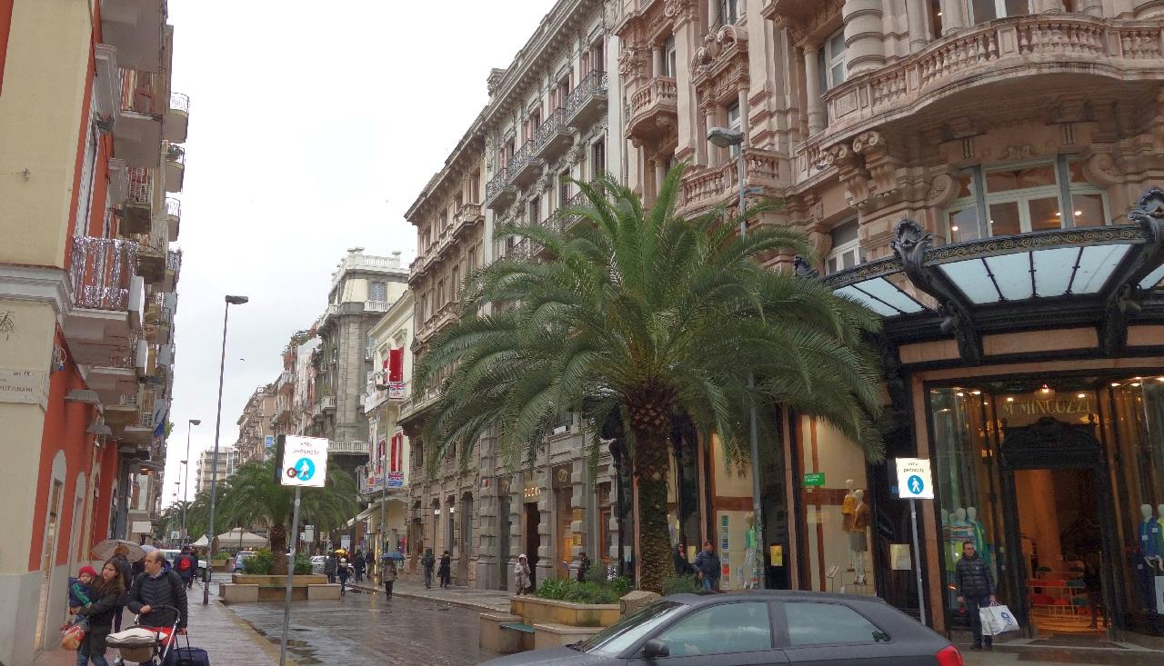 Strada comerciala - Via Sparano da Bari