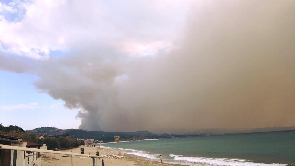 Fumul gros a facut aerul aproape irespirabil