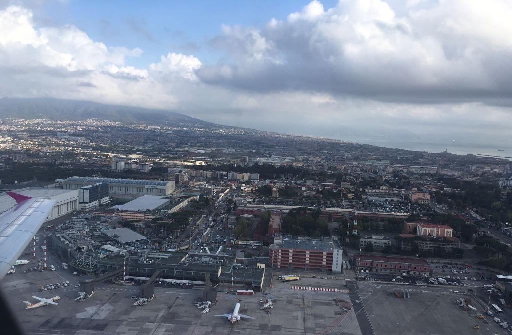 Aeroportul din Napoli