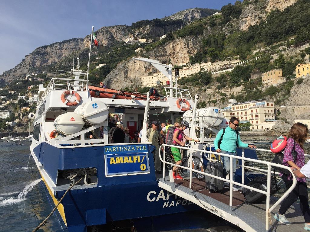 Fast boat de transfer Amalfi-Capri-Napoli